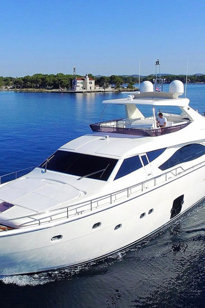 Mallorca motor boat and yacht charters